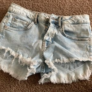 Forever 21 light wash short shorts   ripped jean